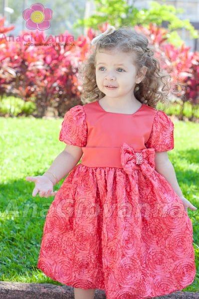 Vestido para festa infantil de tafetá bordado