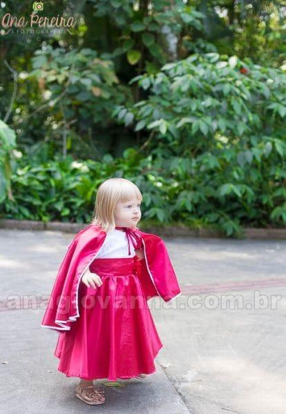 Vestido Infantil de Festa Chapeuzinho Vermelho com capa