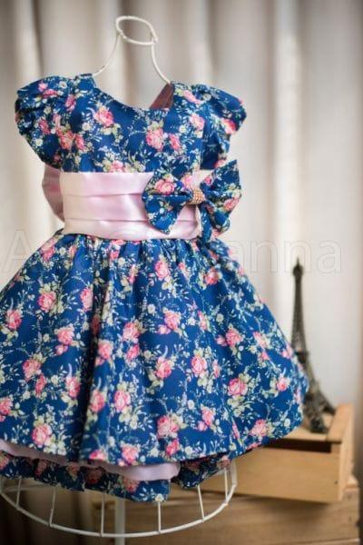 Vestido infantil floral com laço