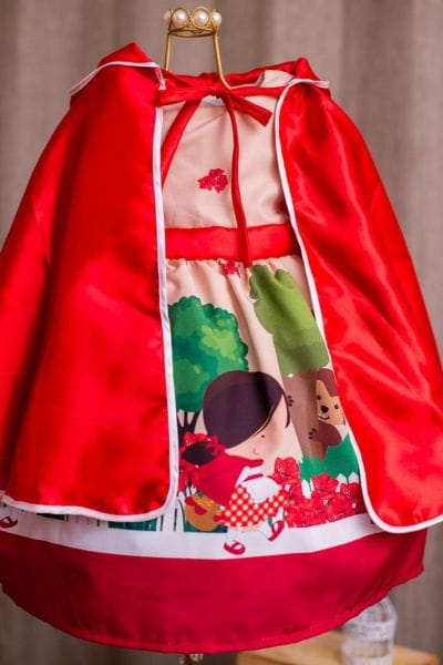 Vestido Chapeuzinho Vermelho + Capa