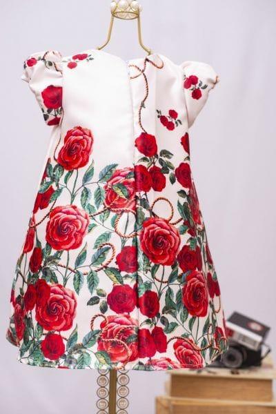 Vestido Infantil Floral Modelo Trapézio