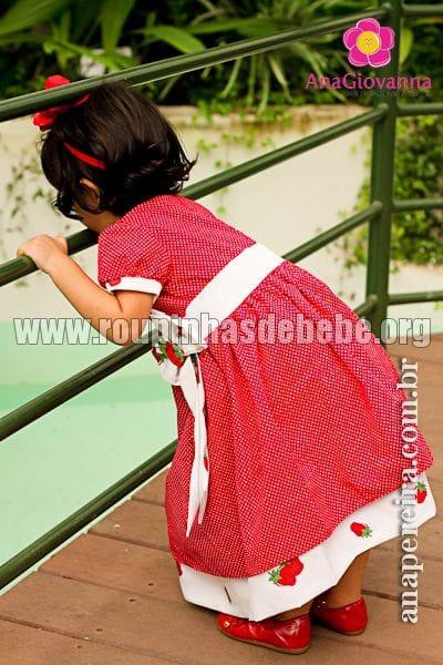 Vestido Infantil Moranguinho de Tricoline