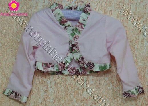 Bolero infantil rosa com floral