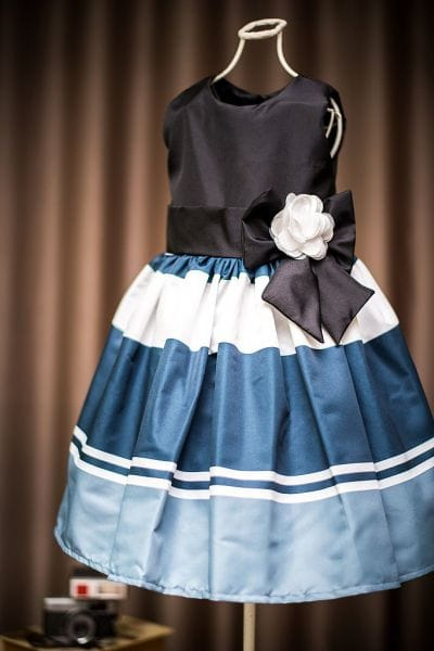 Vestido de menina listrado preto e branco
