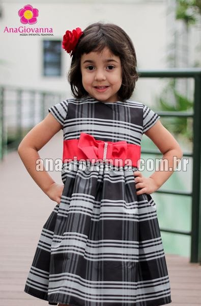 Vestido xadrez infantil para festa