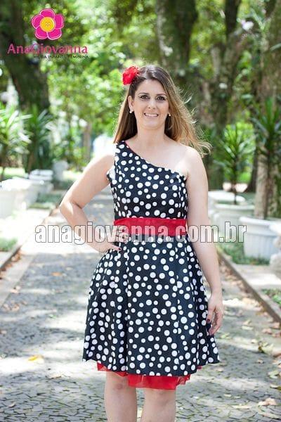 Vestido de poá preto e branco
