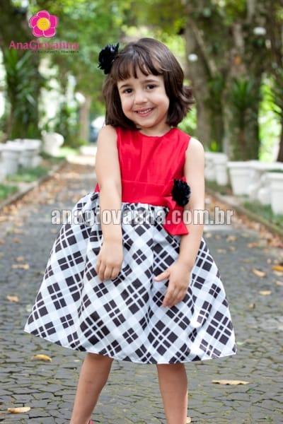 vestido infantil xadrez com vermelho