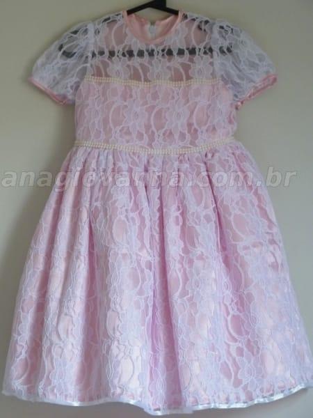 vestido princesa rosa e branco