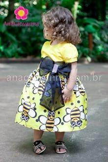 vestido abelhinha para festa infantil
